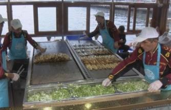Eminönü'ndeki balık ekmekçilerle yeni gelişme