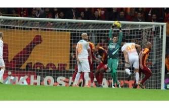 Avrupa, Galatasaray'ın yıldızını konuşuyor!