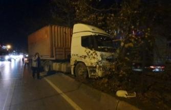 Bursa'da TIR kazası!