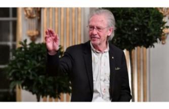 Nobel Edebiyat Ödülü'nün Handke'ye verilmesine yönelik tepkiler büyüyor