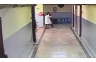 Okul koridorunda terör estirdi!