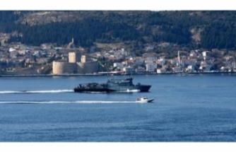 Alman savaş gemisi Boğaz'dan geçti