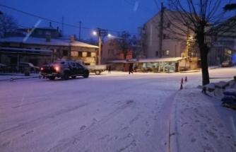 Bursa'da dağ ilçeleri beyaza büründü