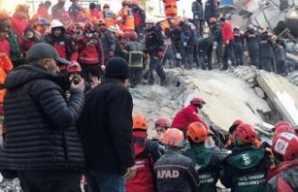 Elazığ'da arama kurtarma çalışmaları devam ediyor!