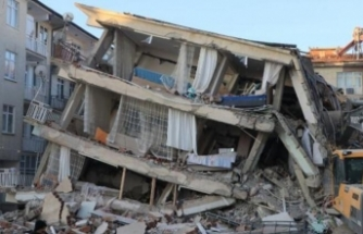 Sürsürü'de enkazda kalan 2 kişiyi kurtarma çalışmaları sürüyor