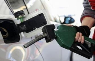 Benzinde 15 kuruşluk indirim beklentisi