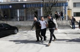 Bursa'da çarşaflı soyguncular yakayı ele verdi!