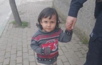 Bursa'da küçük Adem'in ailesi aranıyor!