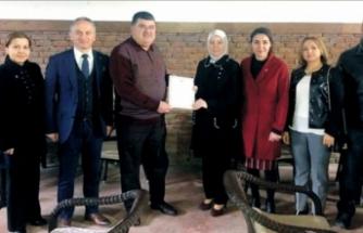 Cumhurbaşkanı Erdoğan'ın Bursa'ya gönderdiği mektupları sahiplerine ulaştırılıyor