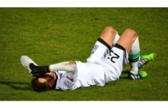 Maç sırasında şoke eden olay! Rakibinin penisini ısırdı