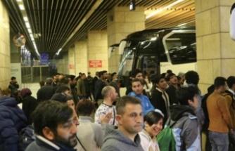 Sığınmacılar sınıra gidiyor: 'Bilet fiyatları 20-30 TL arttı'