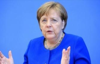 Merkel'in üçüncü Kovid-19 testi de negatif çıktı