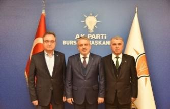 AK Partili 3 ilçe başkanı görevlerini devretti