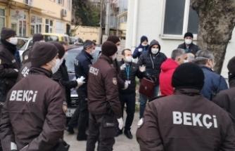 Bursa'da sosyal yardım paralarının evlere dağıtımına başlandı