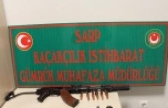 Sarp'da Susturuculu Kalaşnikof Marka Silah İle Çok Sayıda Mermi Ele Geçirildi