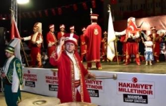 Şehzadeler Mehteran Takımı, demokrasi nöbetçilerini coşturdu!