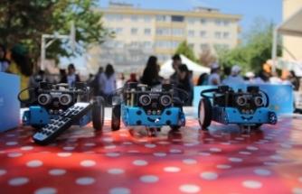 Bursa'da BİSAŞ Ortaokulu bilimle şenlendi!