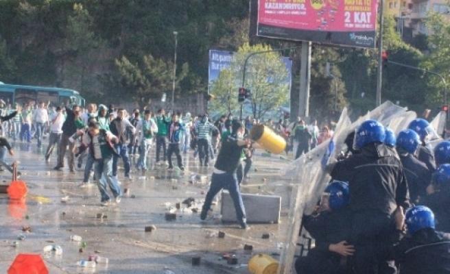 10 Yıl Oldu Beşiktaş Seyircisi Bursa'da Yine Yok