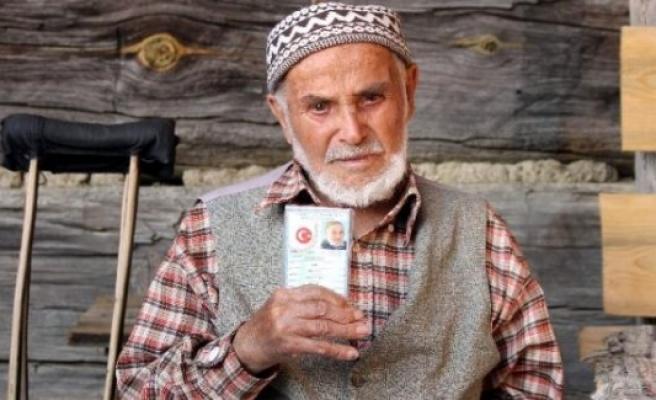 120 yaşında hayata meydan okumaya devam ediyor