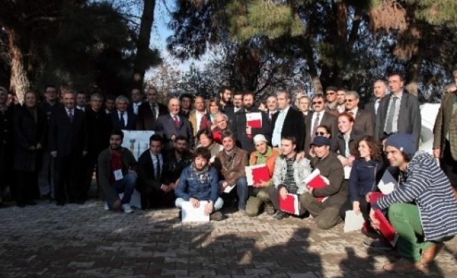 1.uluslararası Taş Heykel Sempozyumunun Kapanış Töreni Ve Sergi Açılışı Yapıldı