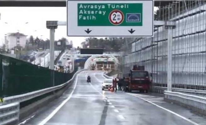 Avrasya Tüneli'ni görmek için Adana'dan taksiyle geldi!