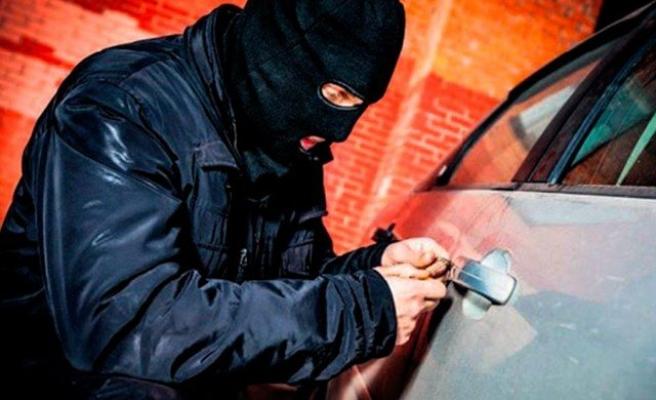 Bursa'da hırsızlar lüks araçlara dadandı!
