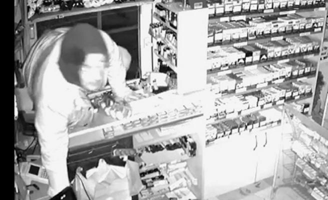 Bursa'da market faresi kameralara yakalandı!