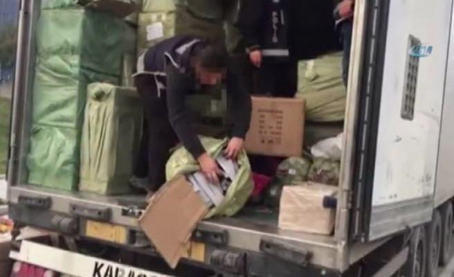 Kaçakçılık operasyonunda suni deri ele geçirildi