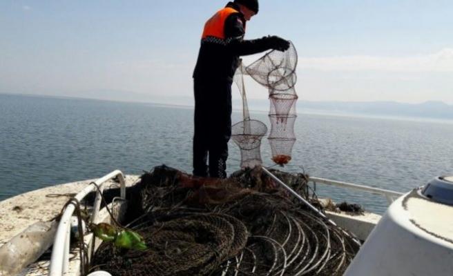 Bursa İznik Gölü'nde kaçak avlanmayla mücadele