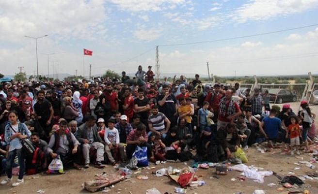 106 binden fazla mülteci Suriye'ye döndü