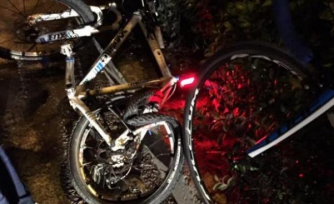 Bisiklet sürücüsüne araç çarptı