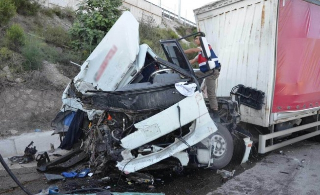 Bursa'da feci kaza! Biri ağır 2 yaralı!