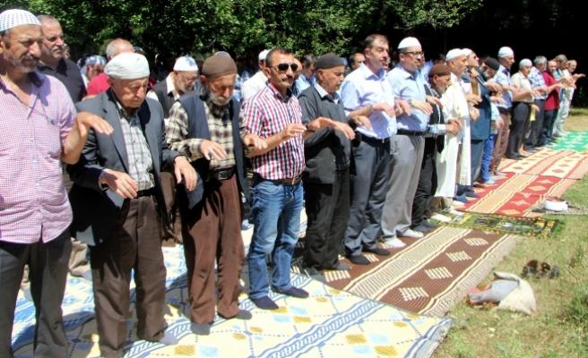 Bursa'da köylüler 600 yıldır yağmur duasına çıkıyor
