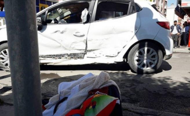 Feci kazada 4 aylık bebek araçtan fırladı
