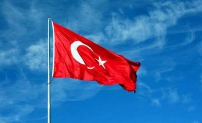 Türkiye ABD vatandaşlarının vize başvurusu askıya aldı