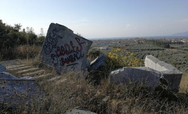 Bursa'da 30 tonluk kral mezarı yine tahrip edildi
