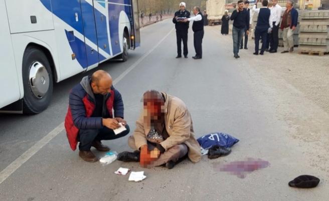 Yaralının imdadına yoldan geçen doktor yetişti
