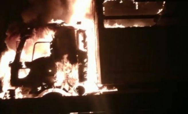 Bursa'da TIR alev alev yandı!
