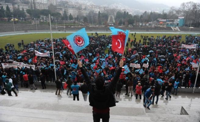 Bursa'da 5 bin işçi meydanlara indi!