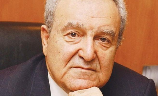 Ünlü doktor 'Kolsuz Agop' hayatını kaybetti