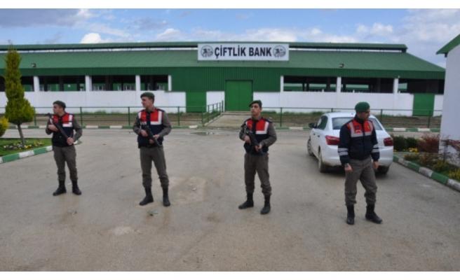 Bursa Çiftlik Bank'ta JÖH'lü önlem devam ediyor!