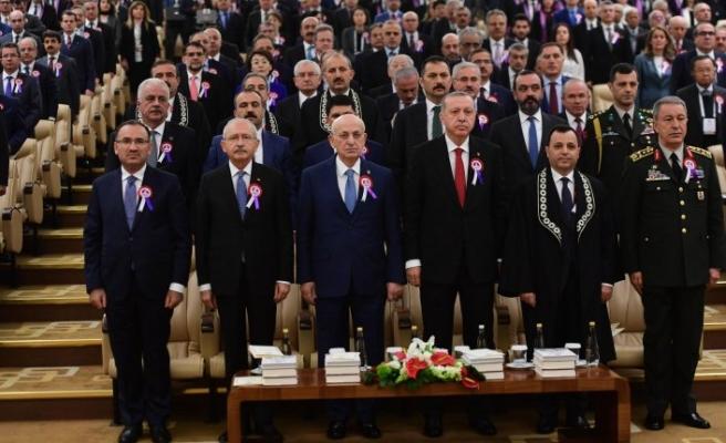 Erdoğan ile Kılıçdaroğlu el sıkıştı mı?