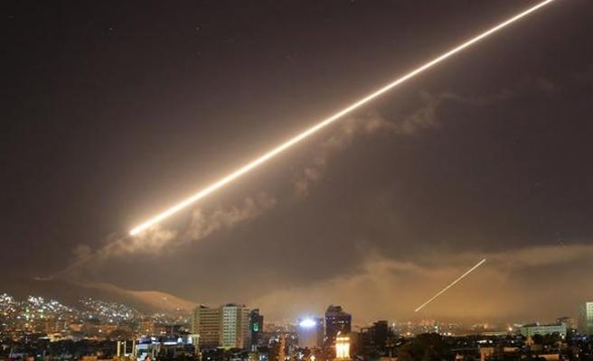 Trump'tan Esad'a 105 füze
