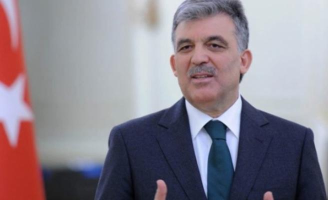 "Abdullah Gül'e şok tepki: ""Reisime ihanet ettin!"""