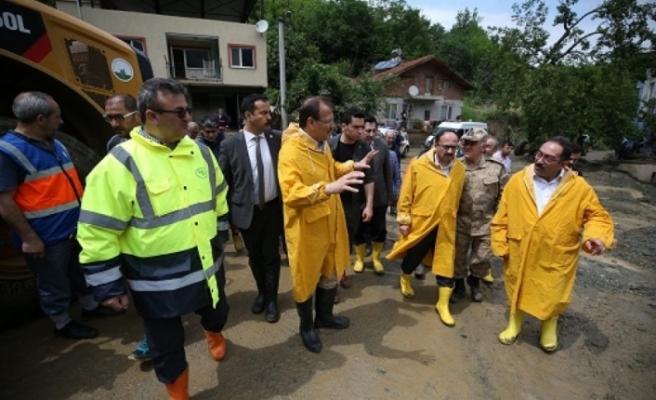 Başbakan Yardımcısı Çavuşoğlu afet bölgesinde!