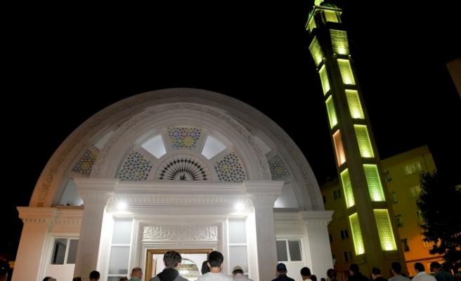 Bursa'da 2 bin 500 kişilik cami ibadete açıldı