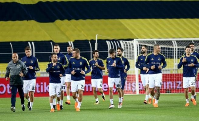 Fenerbahçe statta, Beşiktaş antrenmanda... Karşılaşma iptal edildi