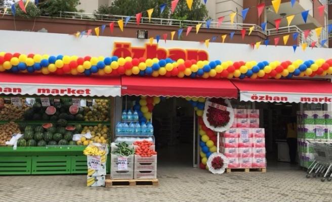 Özhan Market'in 46. Mağazası 29 Ekim Mahallesi'nde açıldı