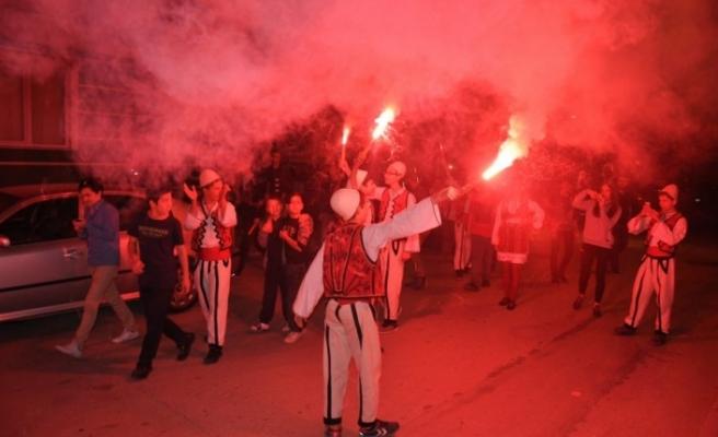 Bursa'da düğün gibi sahur... Rumeli ekibi coşturdu