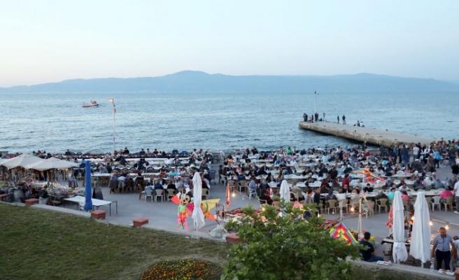 Mudanya'da iftar şölene dönüştü